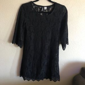 Mini lace black dress